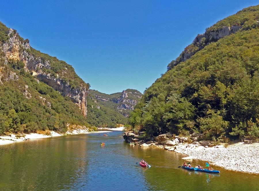 Gorges de l'Ardèche : canoë ou randonnée, l'Ardèche autrement !