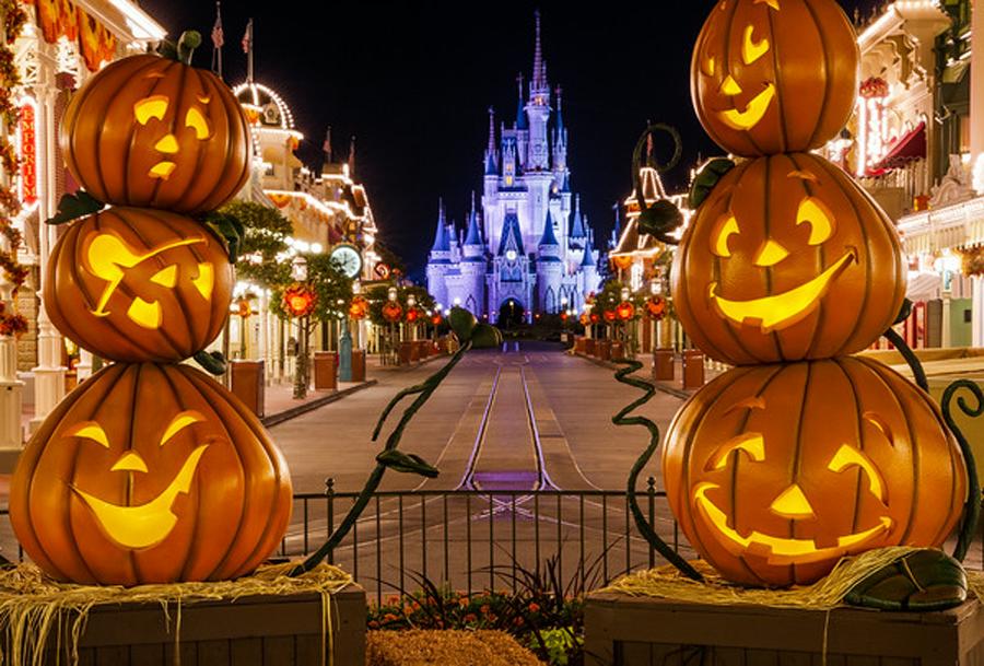 Aller à Disneyland en van durant Halloween