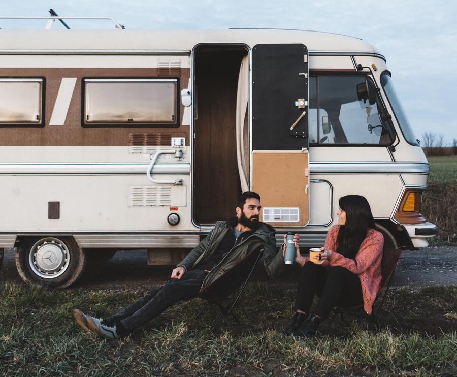 Vanlifers #15 : Van Life Goes On, vanlifers à temps plein en camping-car vintage