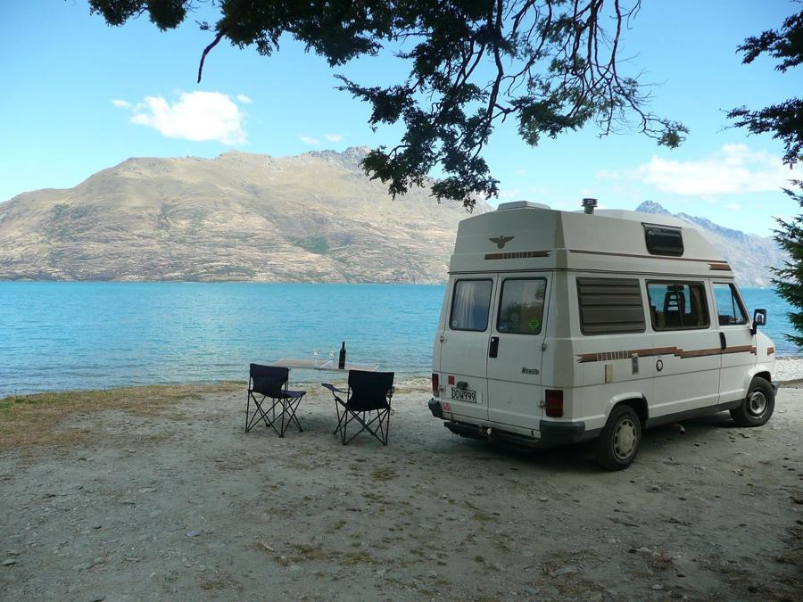 Optimiser la place dans son van : astuces de rangement dans un van
