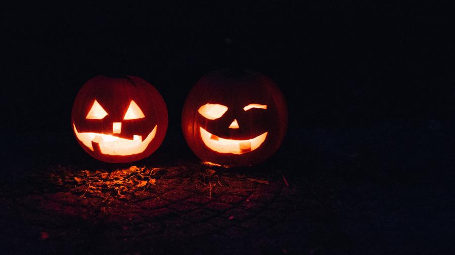 Halloween en van : décoration à faire soi-même, menu et playlist !
