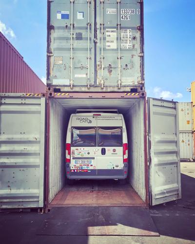 shipping lors d'un tour du monde en van