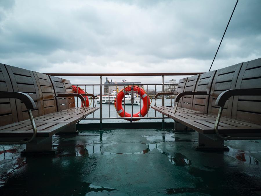 Prendre le ferry avec son fourgon aménagé, ce qu'il faut savoir