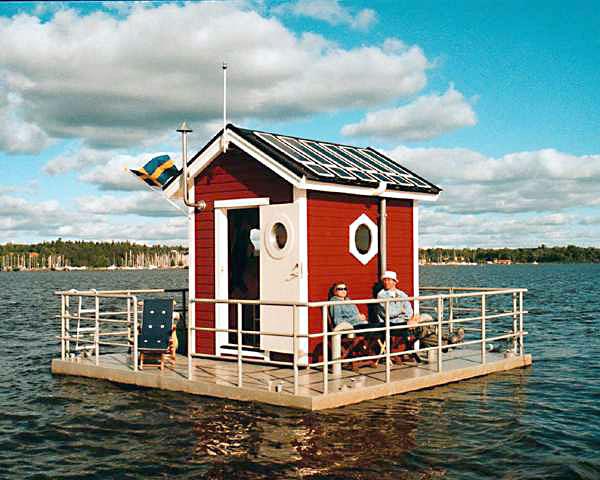 cabane flottante sur l'eau