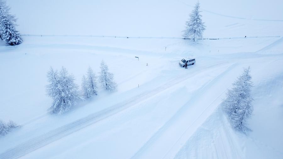Caravaneige en France : les sports d'hiver en van aménagé
